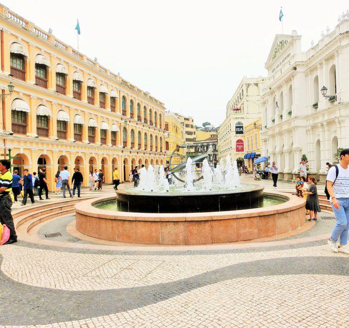 マカオの中心はセナド広場
