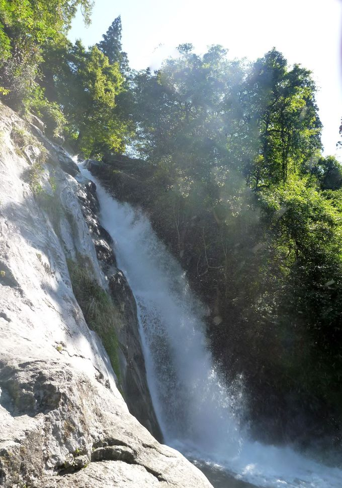 目を喜ばす観音の滝
