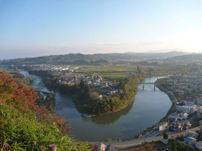 日本一公園から眺める最上川と大江町の素晴らしい眺望