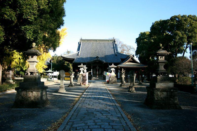 鎌倉時代の建立、室町時代に大改修が加えられた鑁阿寺本堂