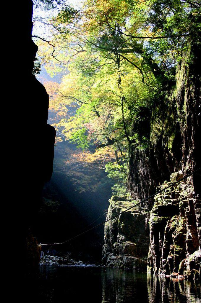 秘境感溢れる「猿飛」と「二段滝」