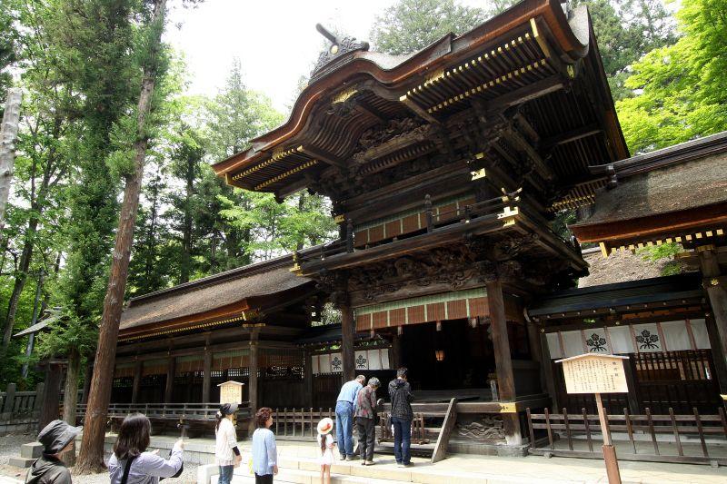 日本最古の神社の1つ!諏訪大社もフリープランで満喫OK。はとバスで行く上諏訪温泉宿泊・サクランボ狩りも