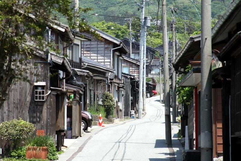 江戸時代からの地割を残す相川の町並み