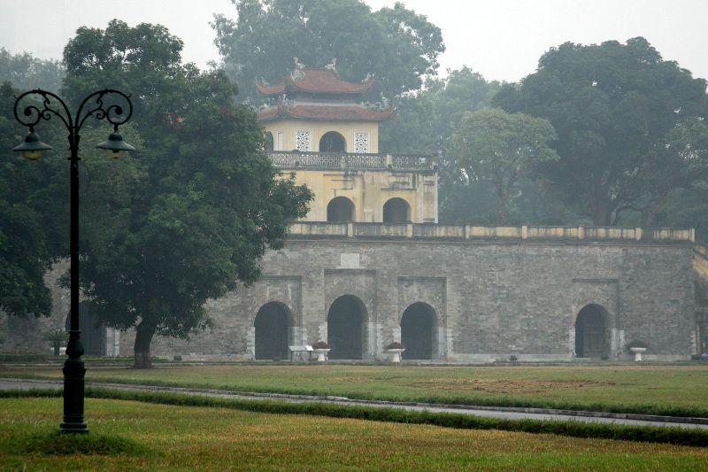 歴代ベトナム王朝の王城遺構が残る貴重な遺跡