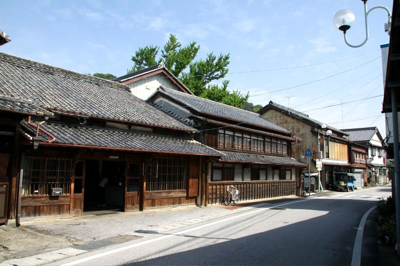 土佐漆喰に水切り瓦、安芸ならではの町並みが残る「旧土佐東街道」