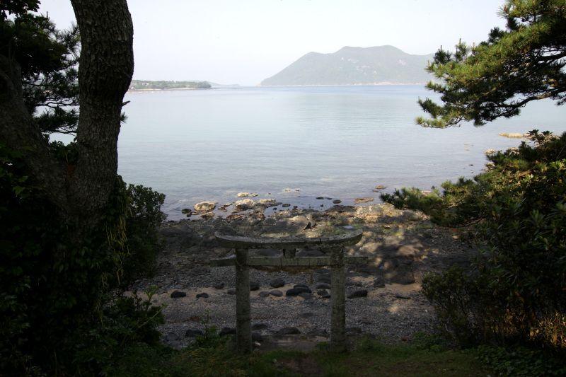 海上安全の御神体として信仰されてきた王位石