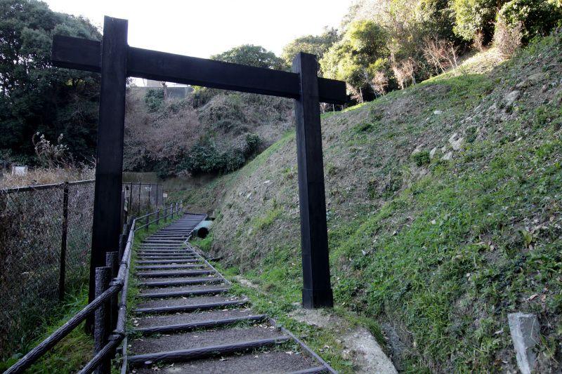 七曲坂を登って玉縄城の遺構を体感しよう!
