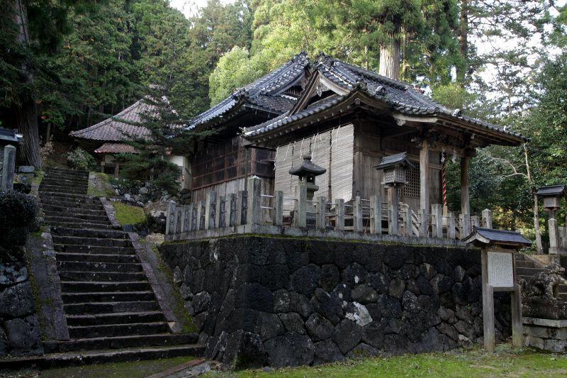 二宮神社に奉納される伝統芸能「ざんざこ踊」