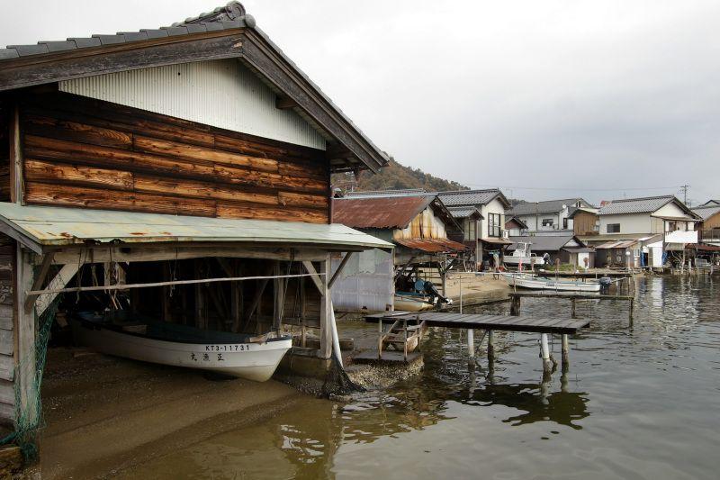 40棟もの舟屋が建ち並ぶ「溝尻集落」は必見!