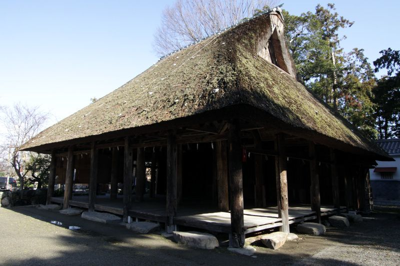 集落に密集する歴史の深い寺社群