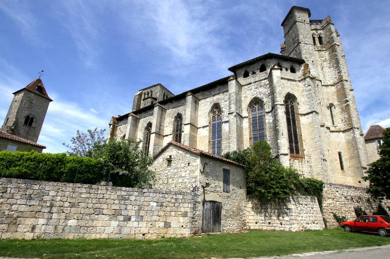 枢機卿によって築かれたサン=ピエール参事会教会
