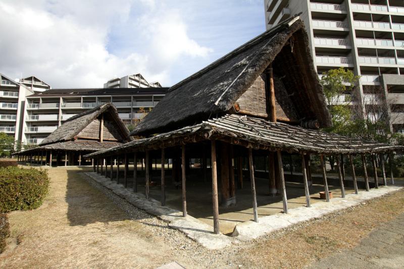 大勢の職人が埴輪を作っていた大型工房