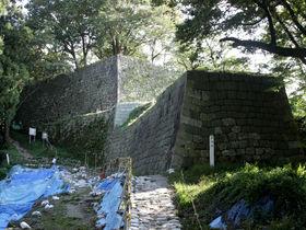 中世と近世の遺構が混然一体に残る!新潟県村上市「村上城」