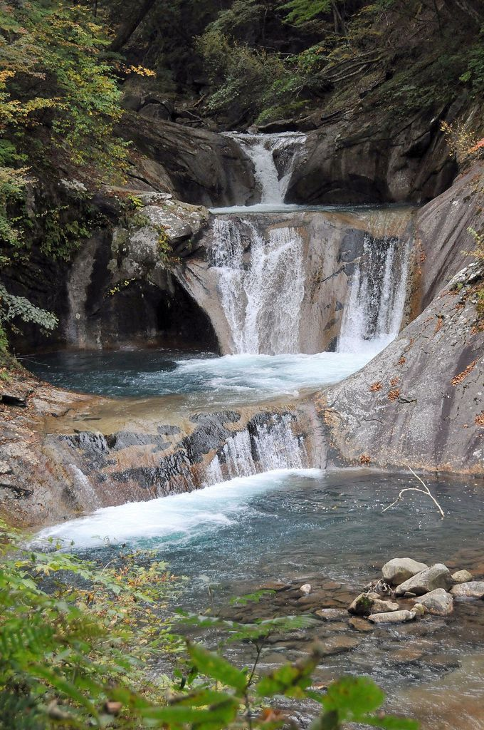 最奥部、七ツ釜五段の滝。ここまで来た甲斐がある見事な光景を撮ろう!