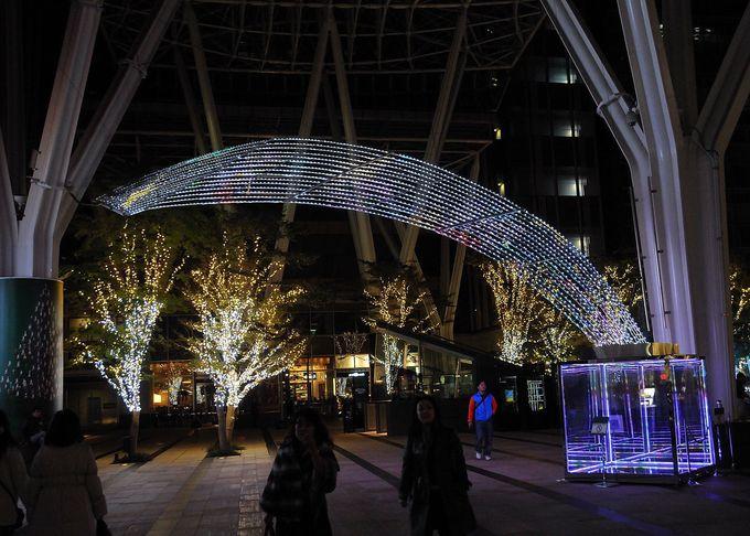 東京都港区六本木。東京ミッドタウンは入り口から素晴らしいイルミネーション!見所満載です