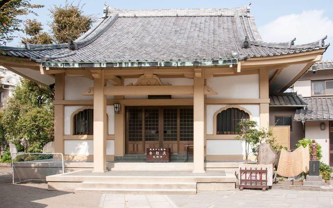 次は紅一点弁財天と実在人物の布袋尊、隅田川沿いの長命寺と弘福寺を目指そう。