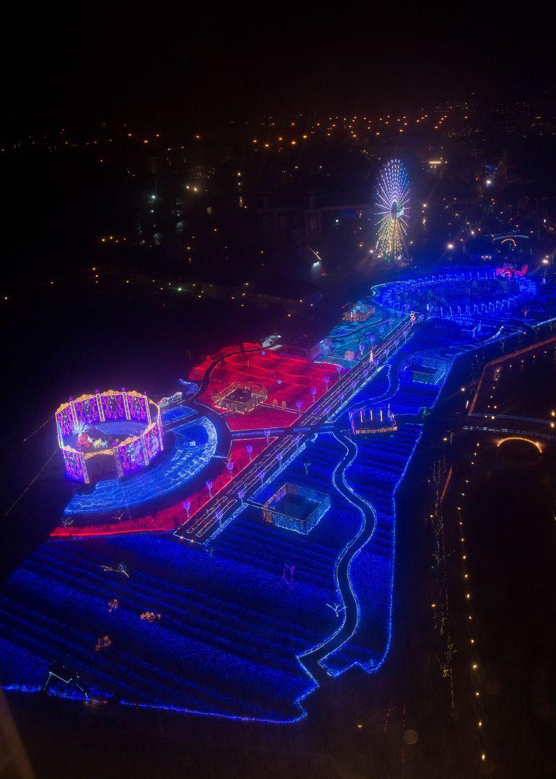 世界一規模の1000万球を超えるイルミネーション、ハウステンボス「光の王国」の綺麗な撮り方