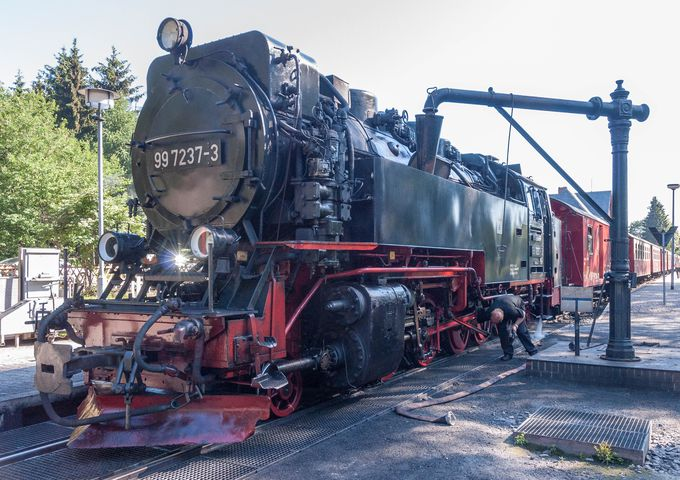 SL好きにはたまらない、本格的蒸気機関車が引っ張る登山列車で山頂へ