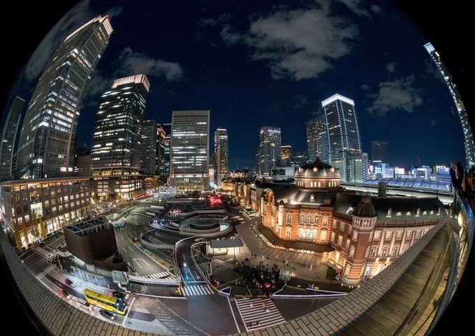 同じ撮影ポイントでもレンズを替えると、未来都市風構図に大変身!