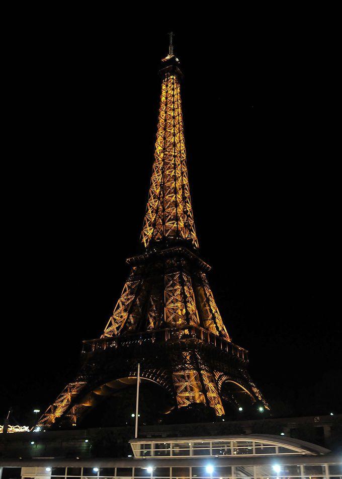 エッフェル塔のライトアップ。パリの有名どころを満喫!