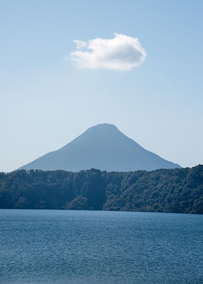 広い指宿市は郊外も見所満載!「イッシ—伝説」の湖、池田湖と薩摩富士を見よう