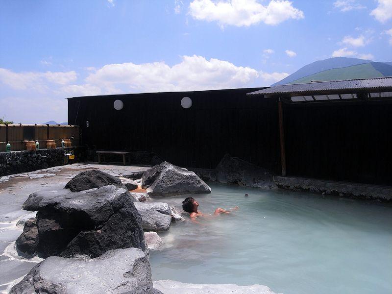 絶景露天風呂&白い濁り湯!別府・明礬温泉「湯の里」