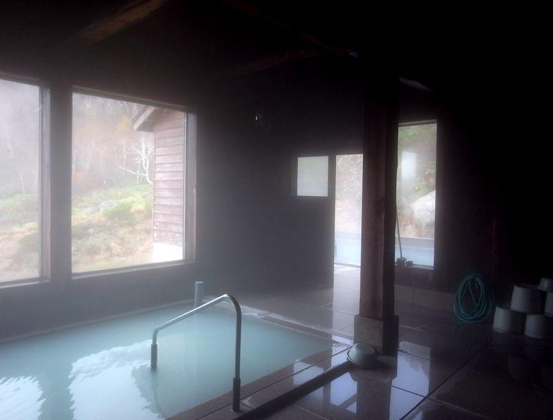 本館のもうひとつの浴室「からまつの湯」