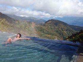 雲上の絶景かけ流し温泉はここっ!長野県「白馬鑓温泉」