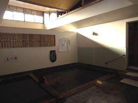 鮮度抜群のぬる〜い温泉「奴留湯温泉共同浴場」熊本県小国町