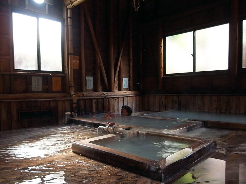 超貴重な炭酸&硫黄の温泉!鹿児島県「霧島湯之谷山荘」