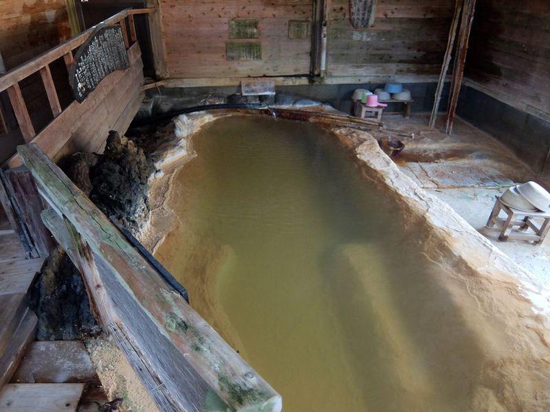 稀有なホンモノ過ぎる温泉に大満足!大分・長湯温泉「郷の湯旅館」