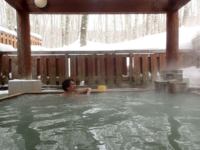 秘湯なのに近代的?2種の湯を楽しめる・秋田「休暇村乳頭温泉郷」