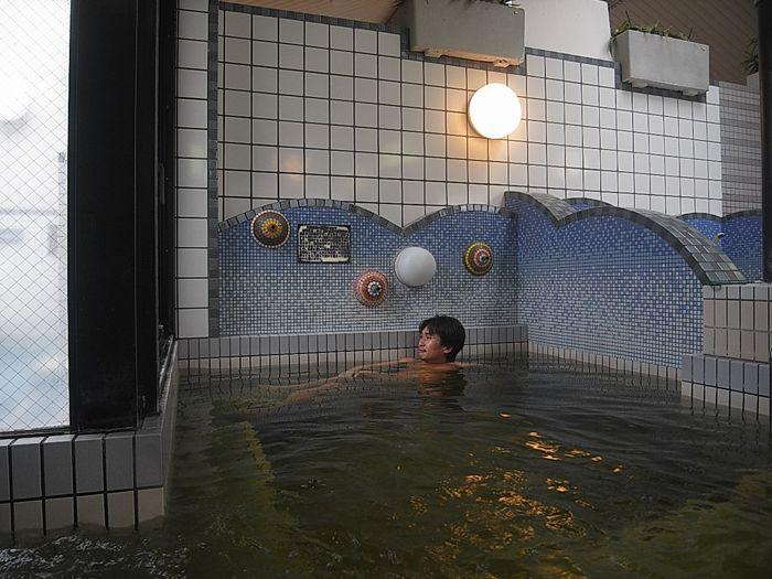 柔らかな湯に包まれる温泉銭湯 「湯あそびひろば 六甲おとめ塚温泉」
