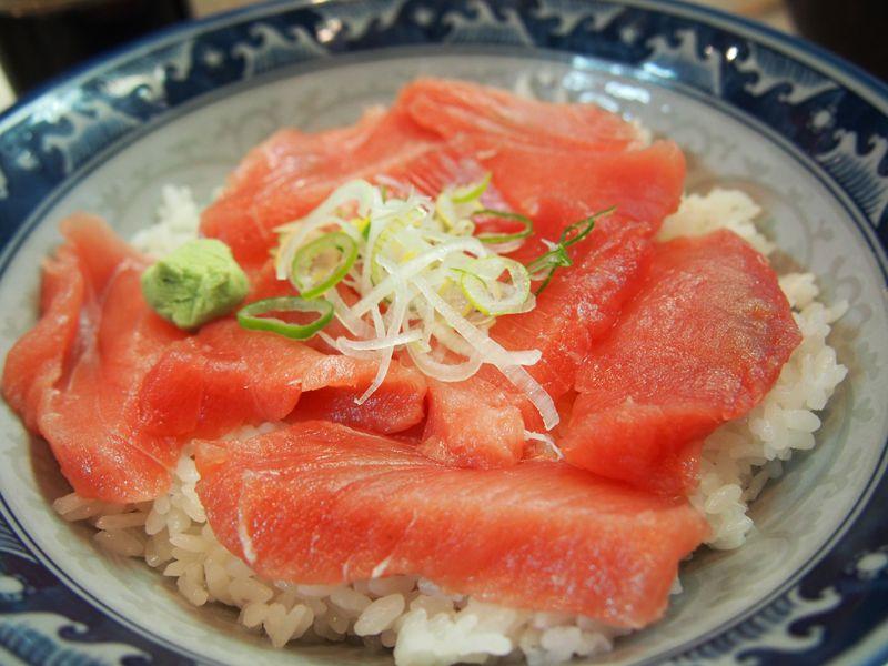 海鮮丼が500円!?安くてうまい海鮮丼。上野アメ横『みなとや』