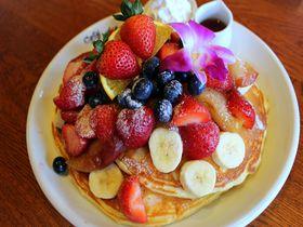 ハワイ感たっぷり!東京ディズニーリゾート「カフェ・カイラ」で絶品パンケーキを