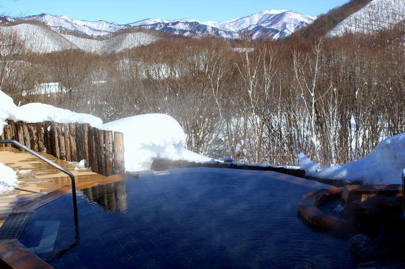 極上の雪見露天!「水上高原ホテル200」は冬を楽しむ最高の宿