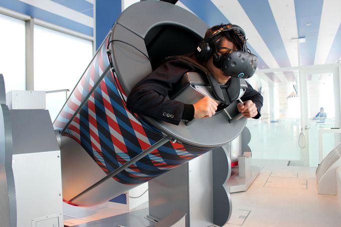 未来と空の旅を楽しむ最新技術コンテンツを楽しむ!
