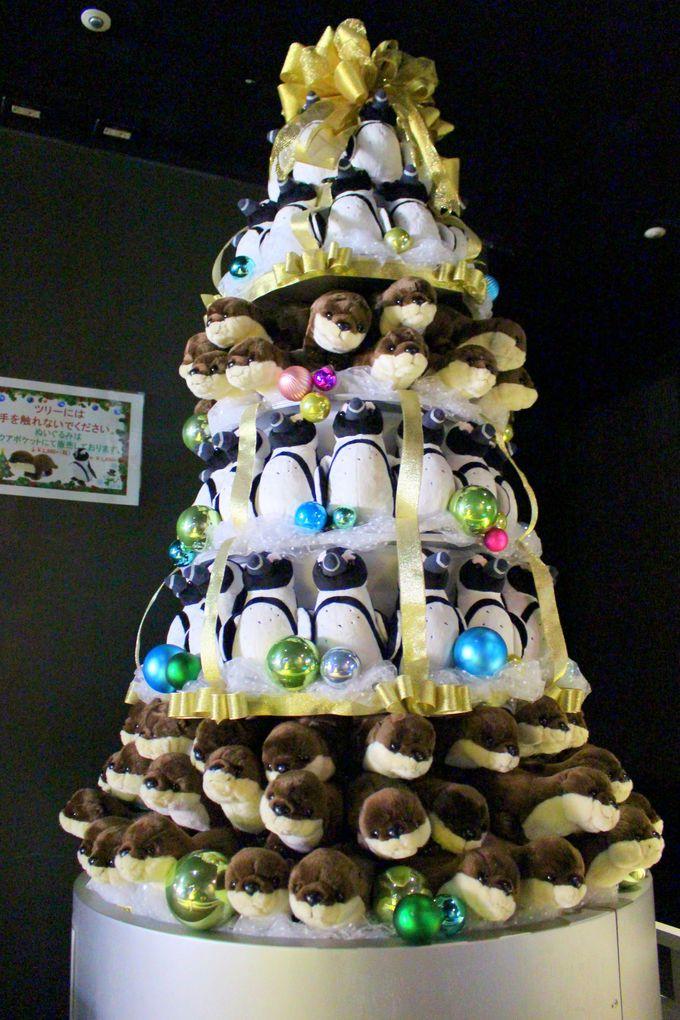 かわいいぬいぐるみのクリスマスツリーも!お土産ショップに立ち寄って!