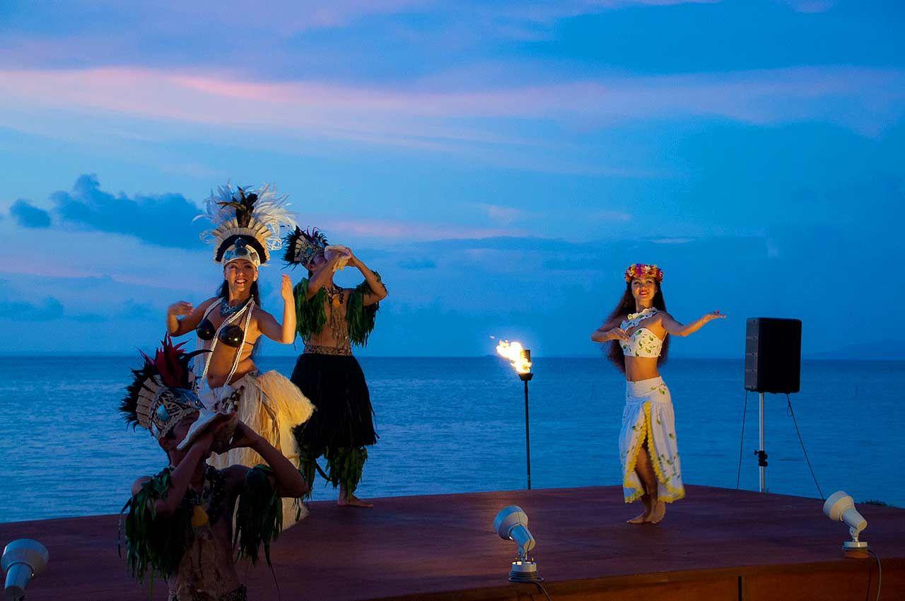 毎日無料で楽しめる琉球舞踊!季節のイベントも充実!