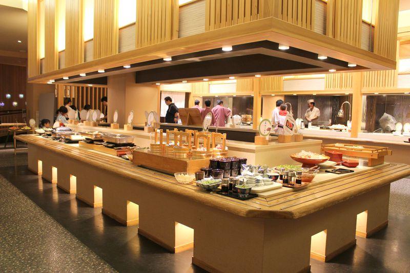伊香保温泉「ホテル天坊」の魅力!1万円台で温泉三昧&食べ放題