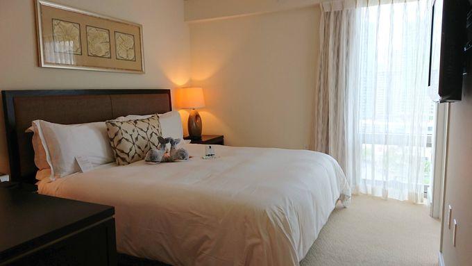 快適なベッドルームとラグジュアリーなバスルーム