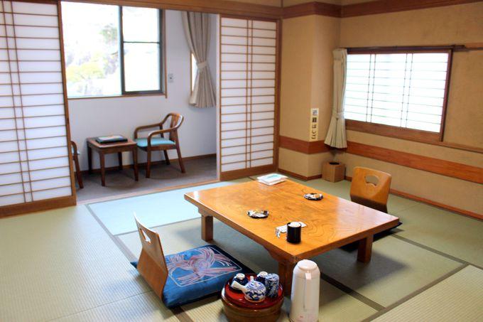 参道沿いに建つ老舗宿、旅館「若松本店」がお勧め