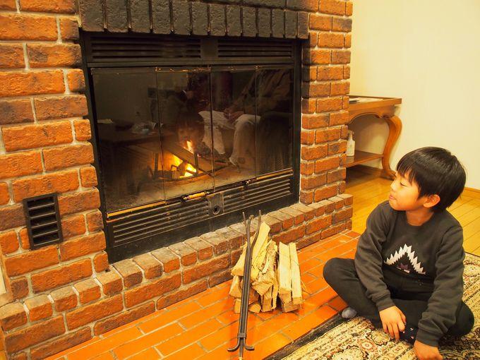 コスパ最高!暖炉付きリビングのある82平米の広々コテージ