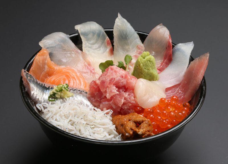 茨城・那珂湊の海鮮丼「海門」行列必至の超うまい店で絶品丼を