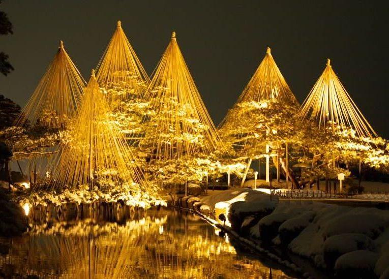 古都の夜に煌めく!「金沢城・兼六園ライトアップ〜冬の段〜」が幻想的