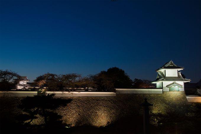 歴史ある「金沢城三御門」