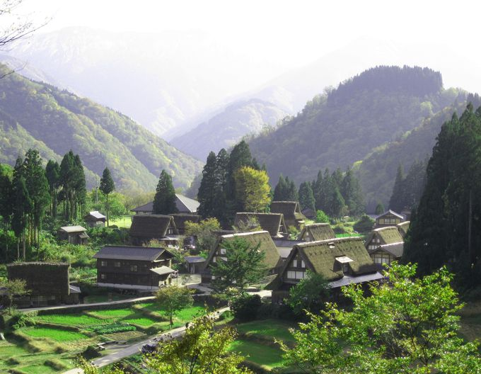 1995年に白川郷とともに世界文化遺産に登録