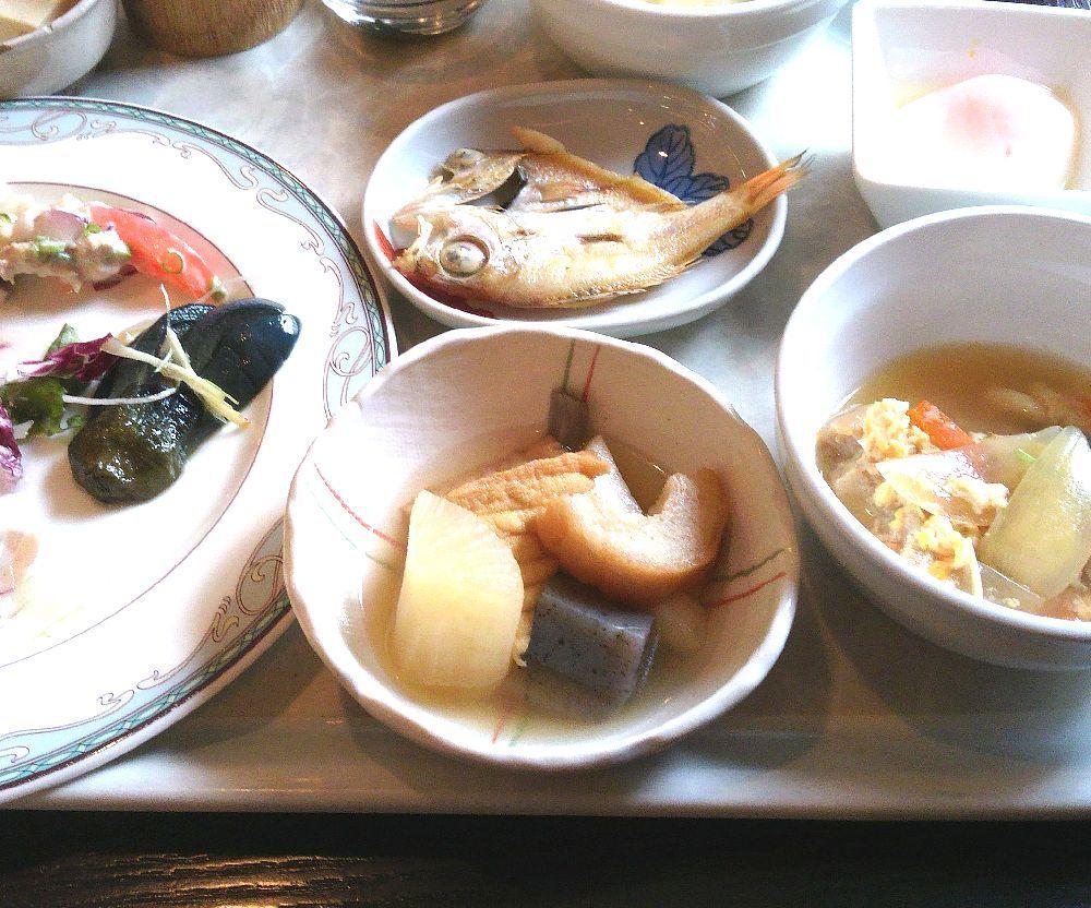 朝食ブッフェに「ノドグロ」が!