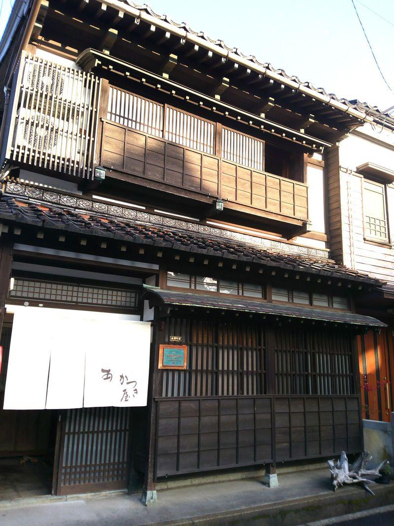 貴重な登録有形文化財のゲストハウス 金沢「あかつき屋」の温かいおもてなし