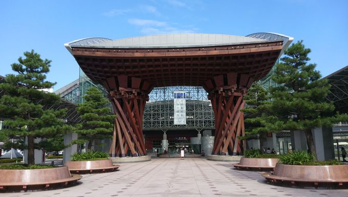 スタートは「JR金沢駅」!写真撮影&情報収集(滞在時間約20分)